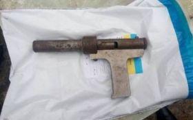 На Дніпропетровщині маленький хлопчик випадково застрелив сестру
