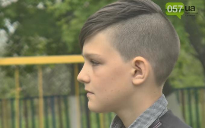 На Харківщині розгорається скандал через українську зачіску школяра: опубліковано відео