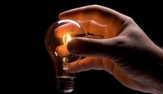 Україна готова постачати електроенергію тільки в український Крим