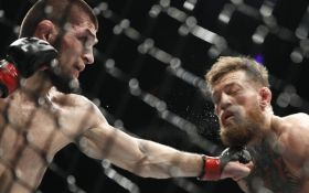 Бой Нурмагомедов - Макгрегор завершился громким скандалом: зрелищное видео драки после боя