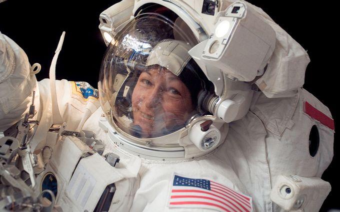 Жінка-астронавт повернулася з МКС, встановивши два рекорди: з'явилося відео