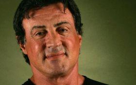 Еще одного популярного голливудского актера обвиняют в домогательствах