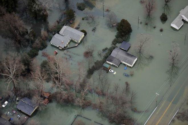 Число жертв наводнений в США возросло до 31 человека
