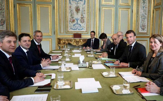 Стало известно, кто на самом деле организовал встречу Макрона и Зеленского