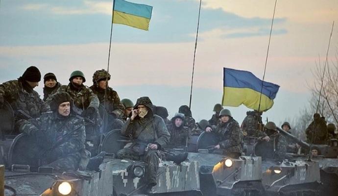 Президент запропонував Яценюкові переглянути розміри виплат військовим у зоні АТО