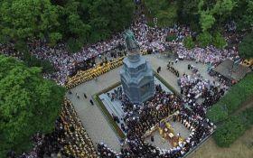 В Киеве празднуют День крещения Киевской Руси: появились фото с высоты птичьего полета