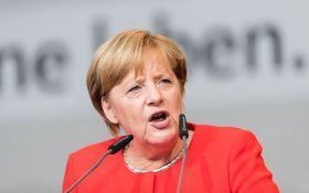 Разжигает войны во многих постсоветских странах: Меркель выдвинула громкие обвинения России