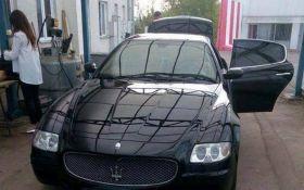 Пограничники пропустили в Румынию Maserati с $400 тыс. под запаской