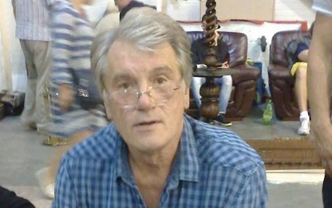 Ющенко розповів, чи торгував він вишиванками на блошиному ринку: опубліковано відео