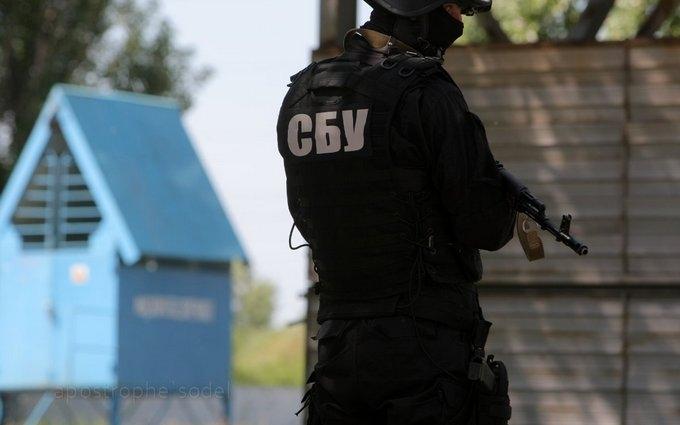 В двух ведомствах Украины СБУ ведет масштабные обыски