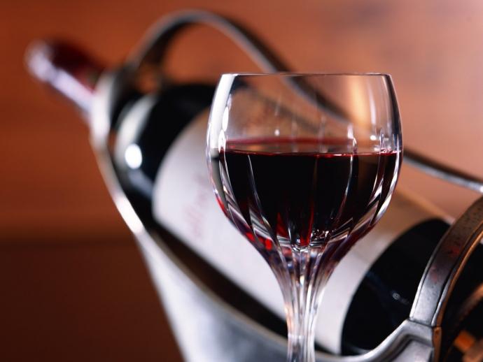 Червоне вино і ягоди врятують чоловіків від імпотенції