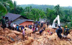 Страшное наводнение на Шри-Ланке унесло десятки жизней: опубликовано видео