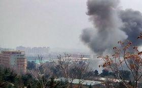 У дипломатичному кварталі Кабула прогримів вибух, є багато постраждалих