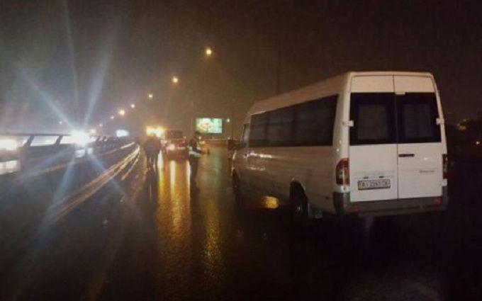 У Києві юнак загинув у страшній ДТП: з'явилися фото