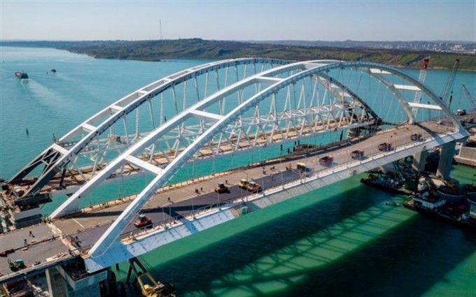 Пропутінські байкери та російські прапори: як по Кримському мосту запускали рух (опубліковано відео)