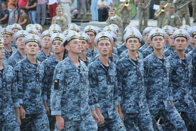 Ракеты, танки и авиация: опубликованы зрелищные фото и видео репетиции парада в Киеве (5)
