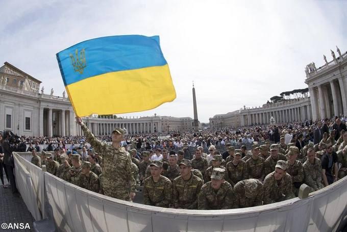 Папа Римський благословив українських бійців: опубліковані відео та фото (1)