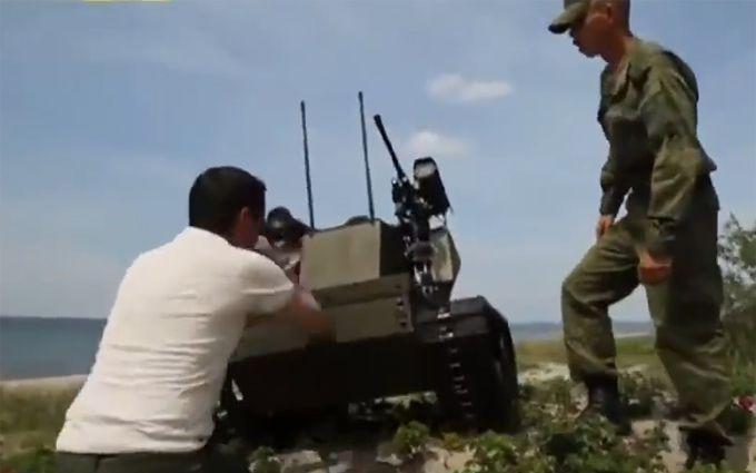 Дурний бойовий робот з Росії розірвав мережу: опубліковано відео
