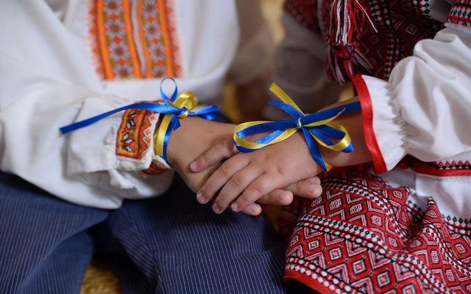Опитування: Половина жителів Донбасу назвала себе українцями