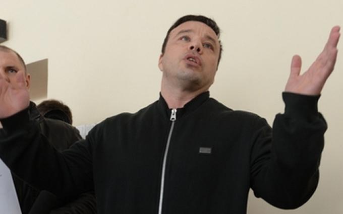 Організатор найбільшої афери в історії Києва втік з-під арешту