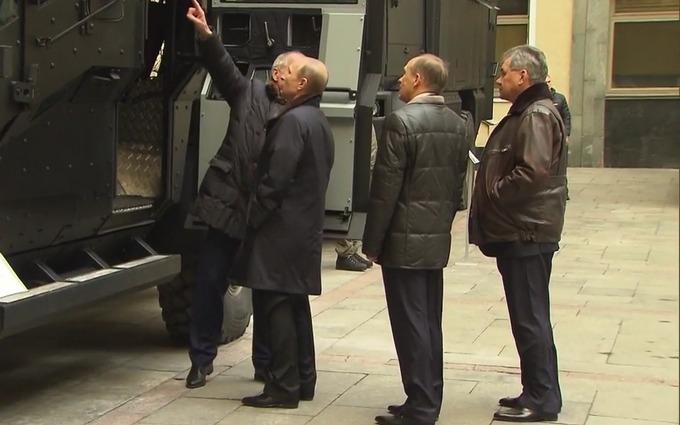 """Путину показали """"Карателя"""" и """"Викинга"""": появилось видео"""