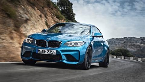BMW представила «заряджену» версії купе 2-Series - M 2 (10 фото) (1)