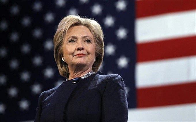 Хілларі Клінтон з'явилась у Єльському університеті з шапкою-вушанкою: опубліковано відео