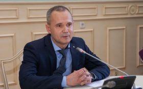 «Мы очищаем городскую власть от взяточников. Сегодня чиновника Киевсовета поймали на получении неправомерной выгоды », - Геннадий Плис