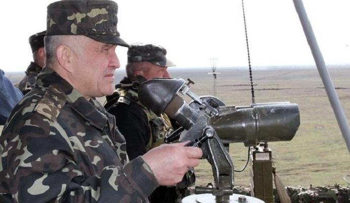 Порошенко звільнив командувача Сухопутними військами ЗСУ