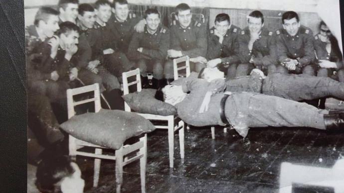 Саакашвили загадал фотозагадку о том, как служил в армии (2)