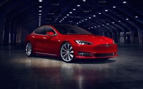 Tesla показала обновленную версию Model S: появились фото