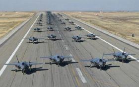 """""""Ми готові до бою"""": опубліковані вражаючі фото та відео навчань повітряних сил США"""