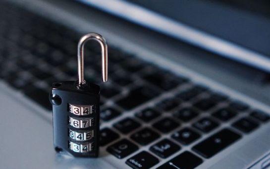 Поліція заявила про одночасний злом усіх своїх сайтів - що відбувається