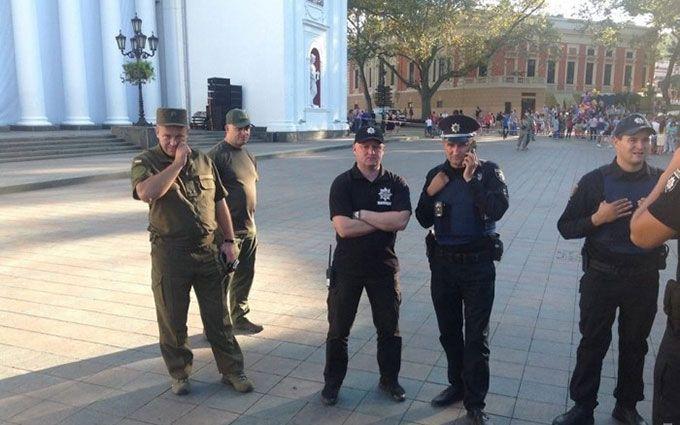 У центрі Одеси побилися активісти і муніципальна охорона: з'явилися фото