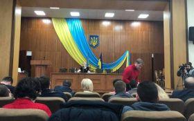 На заседании горсовета под Киевом включили гимн России