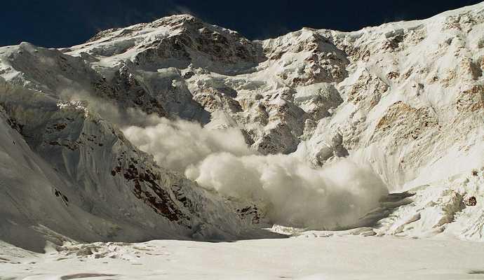 Погибшие в Альпах дети были в сопровождении психически больного учителя - СМИ