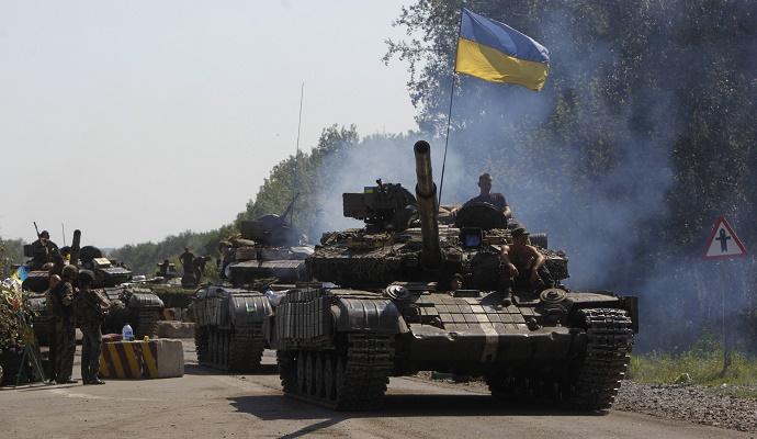 В зоне АТО активизировались обстрелы по всей линии фронта (видео)