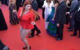 Російська модель втратила сукню на Каннському фестивалі: опубліковано курйозне відео