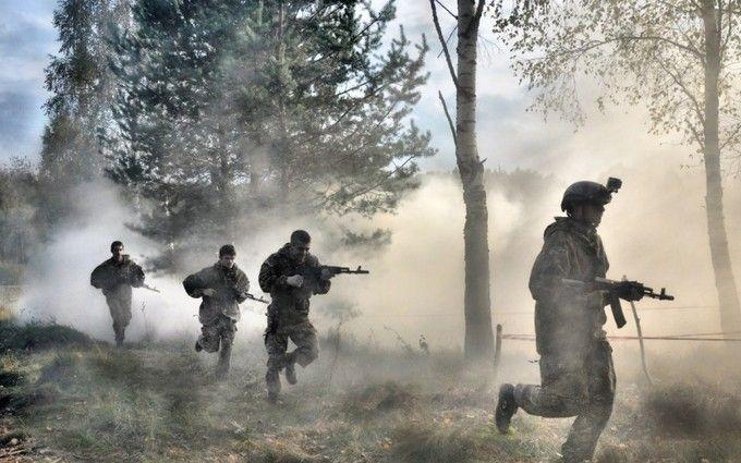 """""""Весеннее перемирие"""": боевики перебрасывают военную технику и боеприпасы в горячие точки на фронте"""