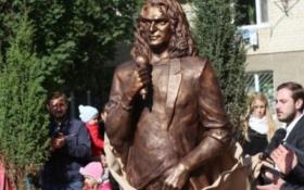 У Луцьку прибрали пам'ятник Скрябіну: опубліковані фото