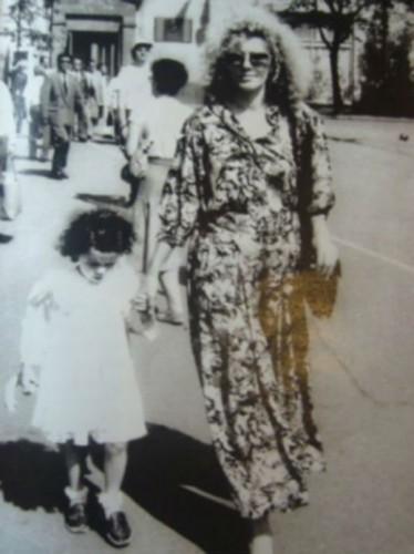 Насте Каменских - 29: опубликованы детские фото певицы (1)