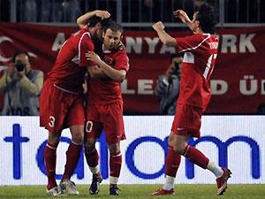 Тренер сборной Турции назвал окончательный состав на Евро-2008