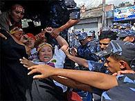 В Непале возобновились антикитайские выступления