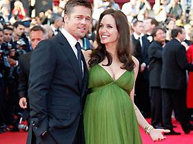 За нерожденных двойняшек Джоли и Питта уже предлагают $15 млн