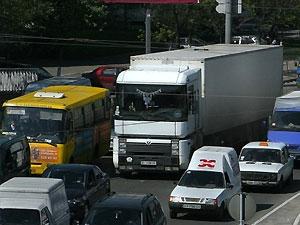 Перевозчики требуют снятие запрета на въезд грузовиков в Киев