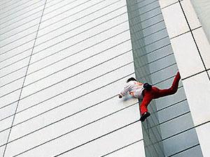 """Человек-паук"" залез на редакцию The New York Times"