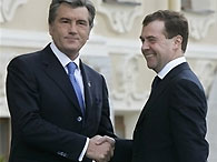 Ющенко припомнил Медведеву инцидент с российской ракетой