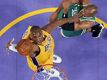 """NBA Finals: """"Лейкерс"""" сокращают разрыв"""