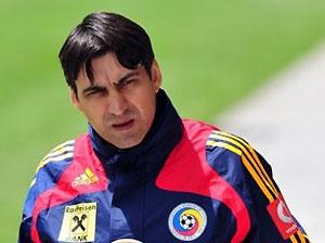 Тренер сборной Румынии посоветовал голландцам намеренно проиграть