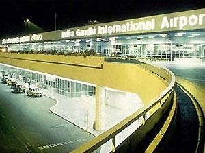 Вараны и шакалы нарушили работу аэропорта Нью-Дели